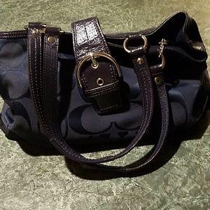 Coach Handbag Navy Blue with Silver💙💙